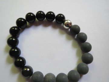 Onyx matt und poliert, Edelsteinarmband, Unikat - Handarbeit kaufen