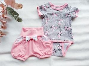 Kleidungsset, Set Mädchen Rosen, kurze Hose/Pumphose mit Body Kurzarm, Gr. 74 - Handarbeit kaufen