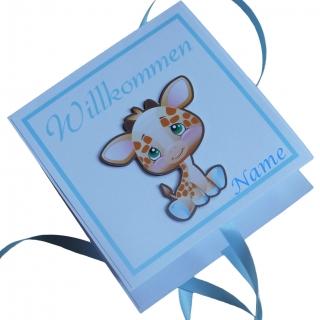 Geldgeschenk/Geschenkverpackung zur Geburt oder Taufe, handgefertigt mit Wunschname im Deckel, Motiv: Giraffe