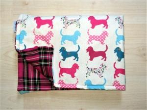 Hundedecke Hounds/pink Kuscheldecke Decke Hund weich gepolstert Tierdecke Schlafplatz Sitzschoner für Auto Couch    - Handarbeit kaufen