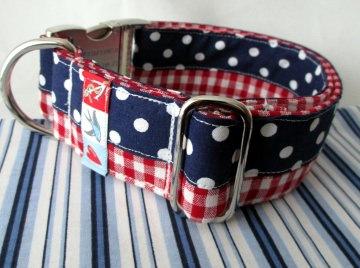 Charmeur Hundehalsband im maritimen Mustermix mit Klickverschluss