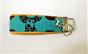 Schlüsselanhänger Schlüsselband Hirsch türkis/gelb Anhänger Band für Schlüssel mit Schlüsselring unterlegt mit Kunstleder für Tierfreunde für Männer oder Frauen für Autoschlüssel - Handarbeit kaufen