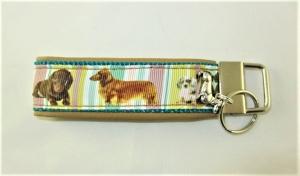 Schlüsselanhänger Schlüsselband Dackel für Hundefreunde Anhänger Band Nylonband für Schlüssel mit Schlüsselring unterlegt mit Kunstleder  - Handarbeit kaufen