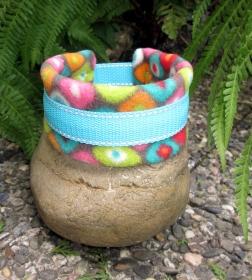 Hundehalsband Happy Day Halsband wärmend, reflektierend mit weicher Fleece Polsterung wahlweise Klickverschuss Kunststoff oder Metall oder Zugstopp Verschluss   - Handarbeit kaufen