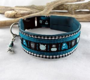 Hundehalsband Monsterparty petrol/schwarz Halsband mit Klickverschluss Kunststoffverschluss wahlweise Metallverschluss oder Zugstopp gepolstert Polsterung Kunstleder verstellbar