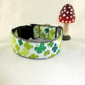 Hundehalsband Glücksklee Halsband Hund Nylon Klickverschluss Kunststoffverschluss oder Metallverschluss wahlweise Zugstopp verstellbar breit Palunduglück&liebe - Handarbeit kaufen