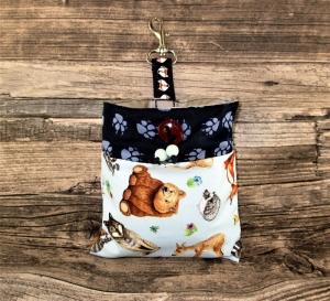 Leckerli-Beutel Wild Life  innen wasserabweisend abwischbar Kotbeutel Kotbeutelspender Tasche Beutel für Leckerlies Hund mit Karabiner