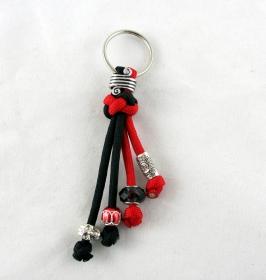 Schlüsselanhänger aus Paracord Anhänger für Schlüssel mit Schlüsselring Taschenbaumler Taschenanhänger rot schwarz für Frauen für Mädchen Anhänger für Autoschlüssel    - Handarbeit kaufen