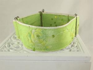 Hundehalsband Elegance grün Windhundhalsband Martingale Halsband  breites Zugstopphalsband mit Verstellbarkeit - Handarbeit kaufen