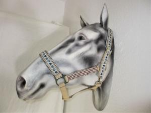 Pferdehalfter Herzenspferd handgefertigtes Stallhalfter Reithalfter Halfter für Pferde Größe Wamblut Pony Vollblut mit Führstrick - Handarbeit kaufen