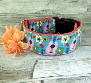 Hundehalsband A Summer Song Halsband für Hunde verstellbar mit Klickverschluss Kunststoff Breite 4 cm   - Handarbeit kaufen