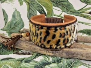 Windhundhalsband Leopard Hundehalsband Halsband Galgo Podenco Whippet mit Zugstopp oder Klickverschluss Kunststoff oder Metall Kunstleder Polsterung - Handarbeit kaufen