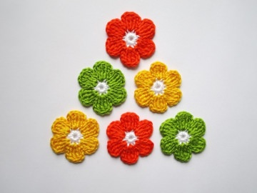 Häkelapplikation, große Blumen
