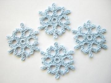 Schneeflocken gehäkelt, klein