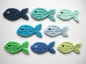 Fische klein gehäkelt, Häkelapplikation