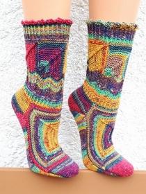 Handgestrickte Socken, Gr. 39/40, extravagantes eigenes Design im Patchworkmix, herrlich bunt und einzigartig, von Schwarzwaldmaschen - Handarbeit kaufen
