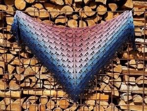 Häkeltuch mit Perlenrand, 178 x 83 cm, weiche Baumwollmischung, Dreiecktuch, symmetrisch, von Schwarzwaldmaschen - Handarbeit kaufen