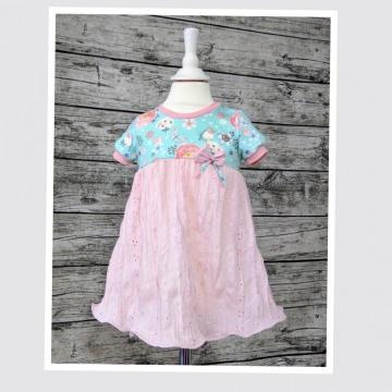 Kleid Gr. 86/92 aus einem bunten Jersey sowie einem rosa Batist