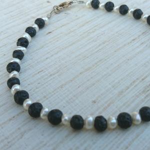 Armband * Armkettchen * Perlenarmband * Perlen * Lava * Perlmutt * schwarz * Ying und Yang - Handarbeit kaufen