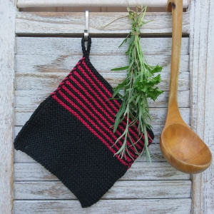 Topflappen * oven cloth * pot holder * in schwarz und weinrot - Handarbeit kaufen