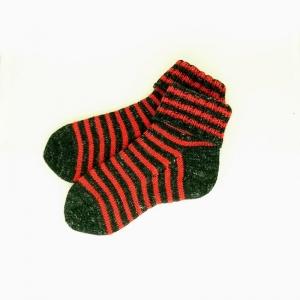 Socken * Stricksocken * Ringelsocken * GOTS * Wolle * Leinen in schwarz/rot - Handarbeit kaufen
