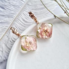 Ohrringe mit zartrosa Rosen