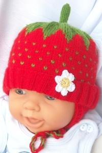 Babymütze/ Kindermütze kleine Erdbeere für Babys und Kleinkinde oder zum Fasching/Karneval
