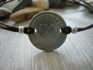Handgemachtes Armband mit eine alten 50-Pfennig- Stück als Zwischenteil  50. Geburtstag Jubiäum Vintage