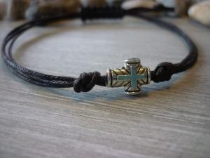 Handgemachtes Armband mit Kreuz  schlichtes Geschenk zur Kommunion- nicht nur für Jungen :-)