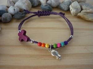 Handgearbeitetes farbenfrohes Armband mit Kreuz und Fisch zur Kommunion / Konfirmation  - Handarbeit kaufen