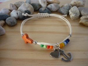 Handgearbeitetes Armband 'Glaube/Liebe/Hoffnung' aus farbenfrohem Material - Handarbeit kaufen