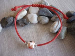Schlichtes Armband mit Keramikperle /  Rot - Handarbeit kaufen
