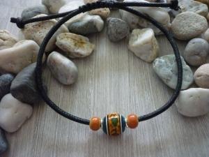 Schlichtes Armband mit Keramikperlen /  Schwarz / Orange / Grün - Handarbeit kaufen