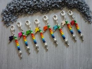 8 farbenfrohe Mitgebsel  / Gastgeschenke /Kommunion /Taufe / Konfirmation Charms Mitbringsel Tischdeko Taschenanhänger - Handarbeit kaufen