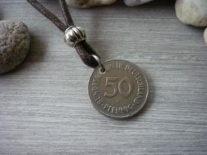 Kette mit einem 50-Pfennig-Stück von 1971 als Anhänger / Vintage / Geburtstag