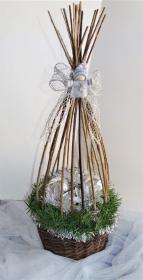 Weihnachtsgesteck im Weidenkorb silber - Handarbeit kaufen