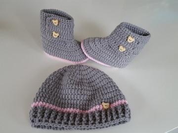 Baby-Winterset Mütze + Booties in der Farbe hellgrau/rosa