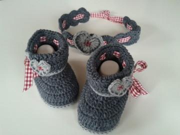 Baby-Set im Trachten-Look in der Farbe dunkelgrau/hellgrau