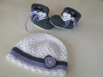 Baby-Sommerset / Taufset im Trachten-Look (Schühchen und Mütze)