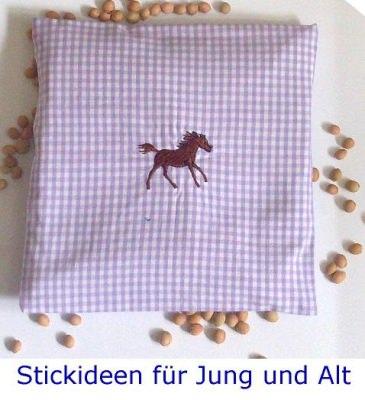handgearbeitetes Traubenkernkissen: Fohlen