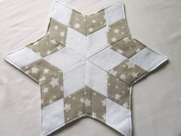 Stern, Weihnachtsstern weiß - beige, Tischläufer, Patchwork, Handmade - Handarbeit kaufen