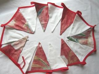 Girlande, Wimpelkette , handmade,  rot weiß, 2,60 m - Handarbeit kaufen