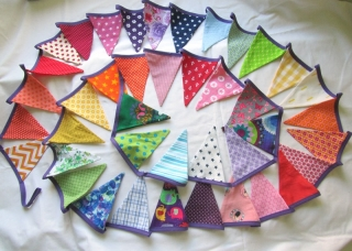 Regenbogen- Wimpelkette 5,95m / 41 Wimpel, handmade, Girlande,Gartendeko