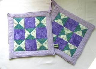 Topflappen Set / Patchwork  lilagrün selbstgenäht / handmade
