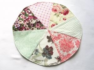 Tischdeckchen Rosen, Patchwork, handgemacht.