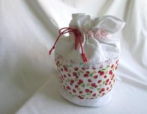 Pompadour / Wäschebeutel Erdbeere, Wäschesack,  - Handarbeit kaufen