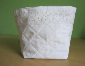 Utensilo weiß, Stoffkorb, Brotkorb, Weißquilt, Weißwäsche, - Handarbeit kaufen