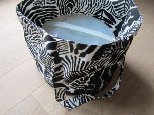 Einkaufstasche, Tortentasche, Universaltasche , Farne und Blätter, schwarz weiß, - Handarbeit kaufen