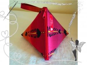 Rotes  orginelles Schminktäschen mit Fischgräten-Motiv - Handarbeit kaufen