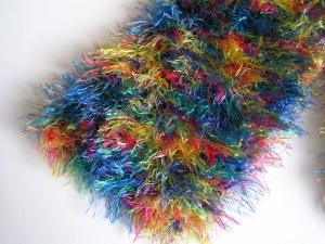 Kuscheliger Schal in bunten Farben